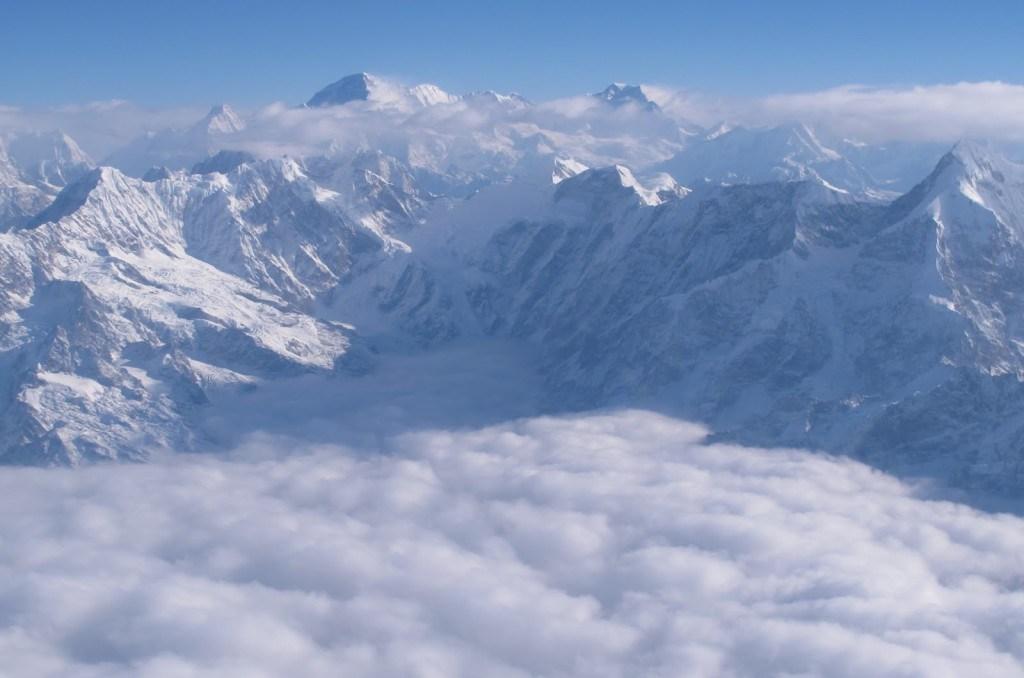 Flying over Everest 5