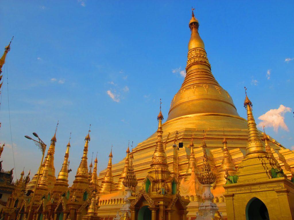 golden-temple-myanmar-1