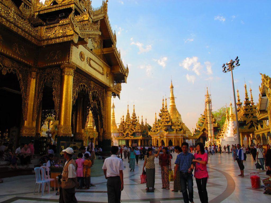 golden-temple-myanmar-2