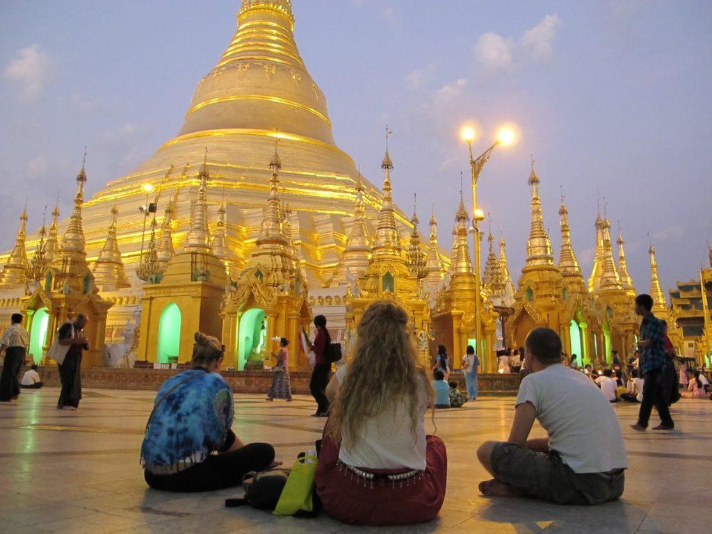 golden-temple-myanmar-7