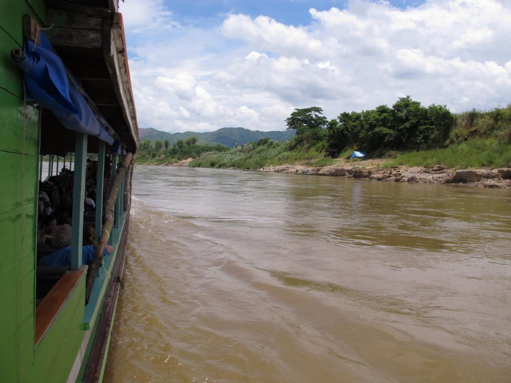 Slow boat to Laos 9