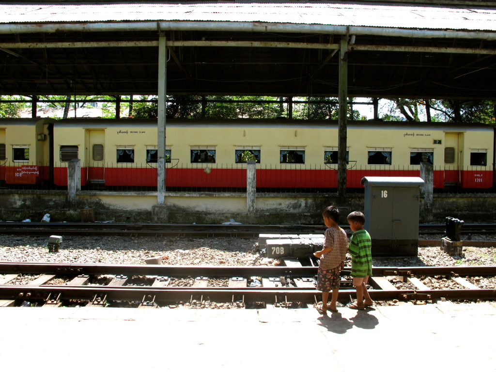 Yangon Circle Train 18