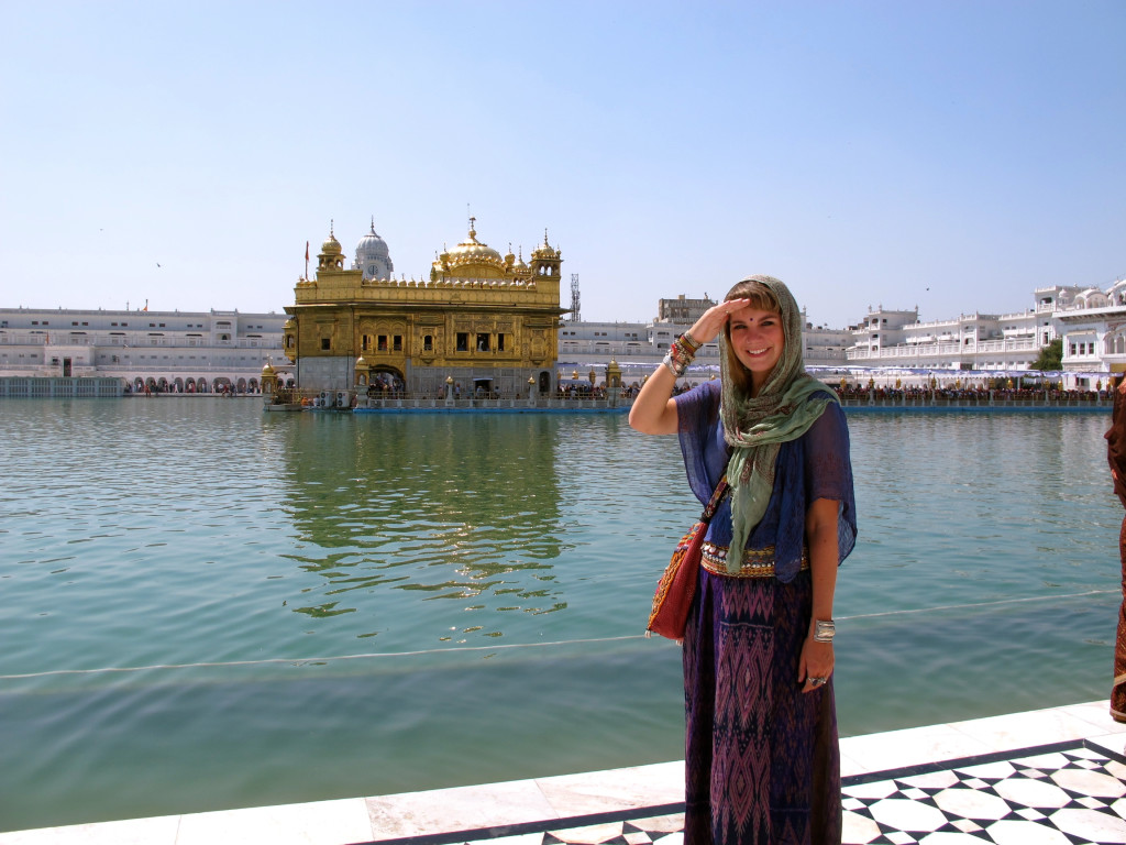 What to wear in India 32