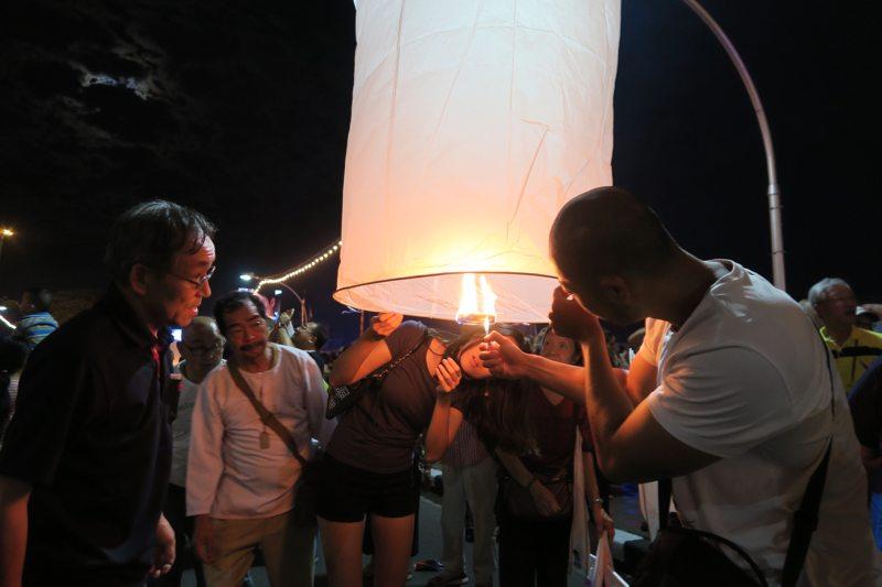 Loi Krathong Chiang Mai - 11 of 48