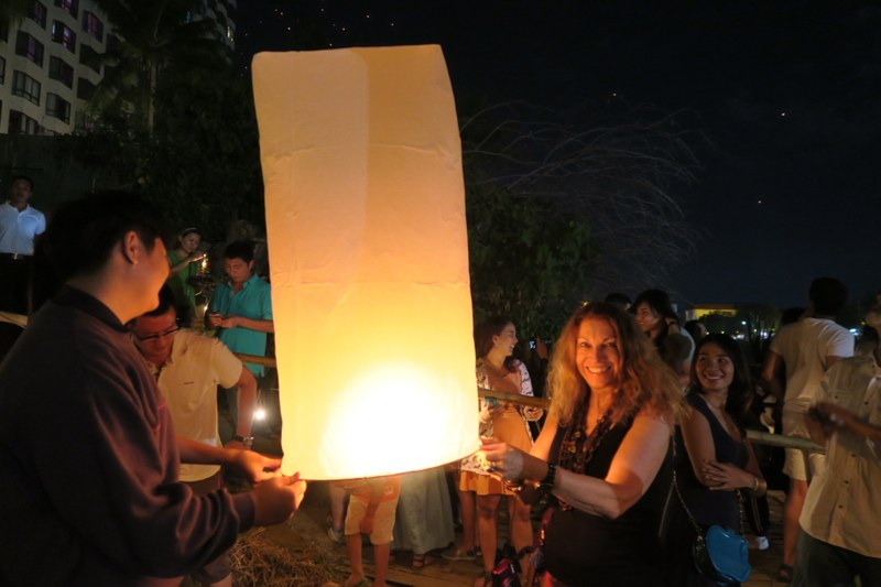 Loi Krathong Chiang Mai - 28 of 48