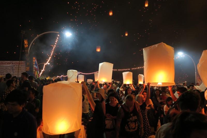 Loi Krathong Chiang Mai - 35 of 48