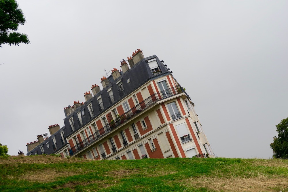 where-is-the-sinking-house-of-paris-1