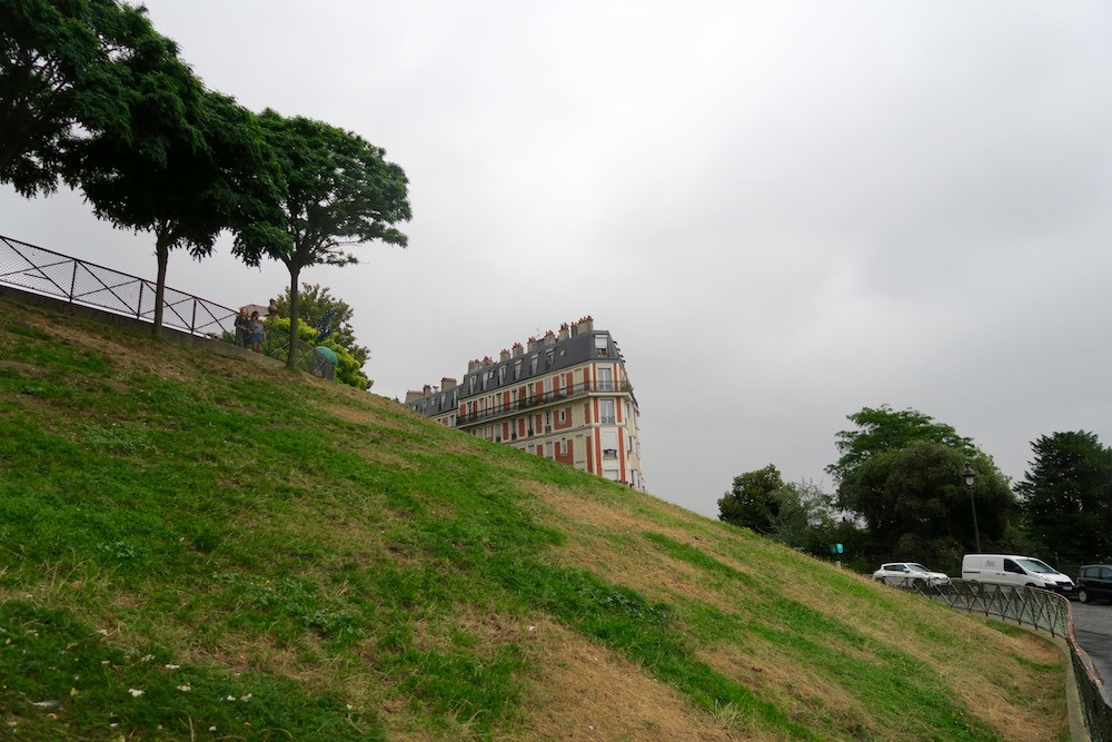 where-is-the-sinking-house-of-paris-2