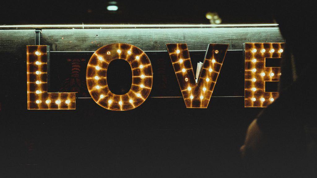 love bombing - love sign