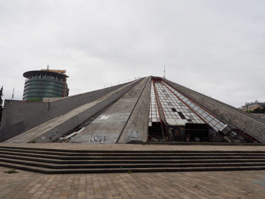 tirana Albania piramida