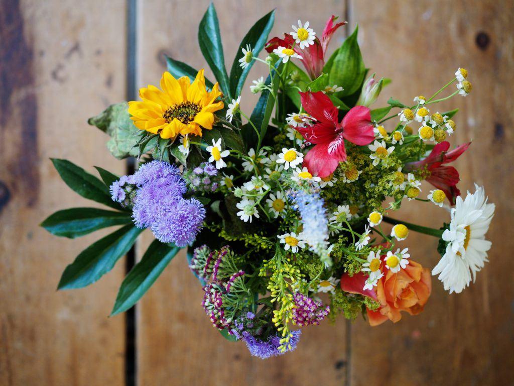 bouquet of flowers - love bombing