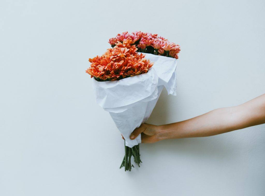 what is love bombing? - bouquet of flowers