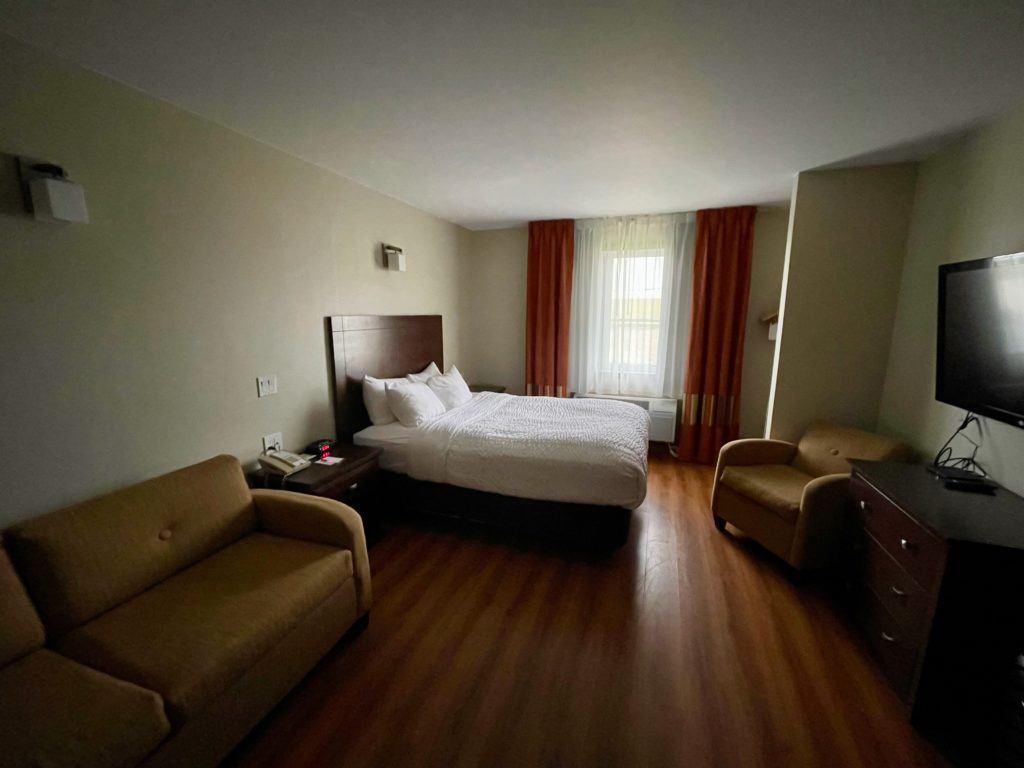 where to stay in Winkler - hotel